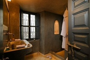 Casablanca suite shower room